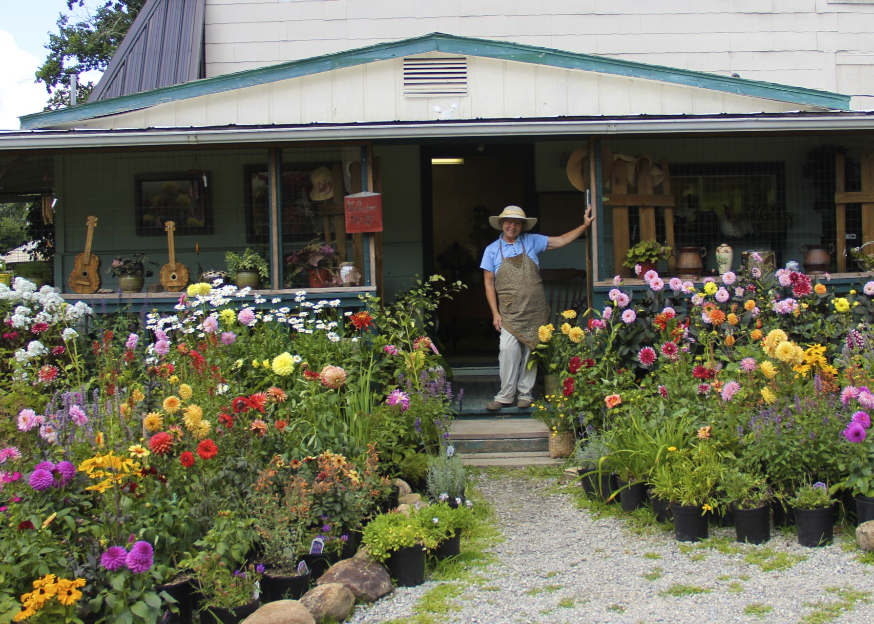 She Is Responsible For Some Of The Most Beautiful Plants And Flowers I Have Ever Seen Specializing In Dahlias All Colors Shapes Sizes